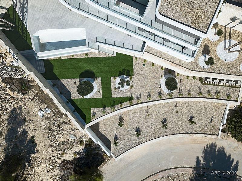 Villa de style moderne avec vue panoramique sur la mer