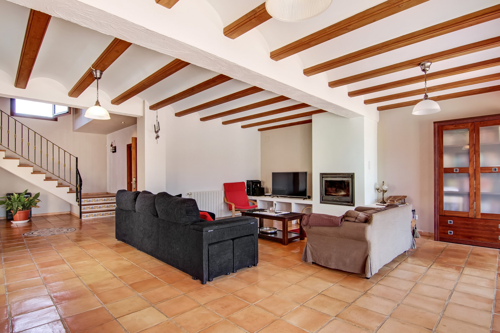 4-Bedroom finca with spectacular country and mountain views