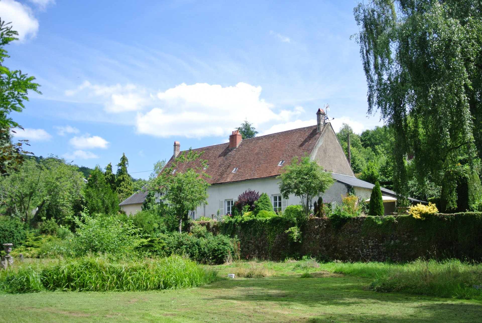 Beautiful former presbytery with 2 gîtes for sale in the Morvan