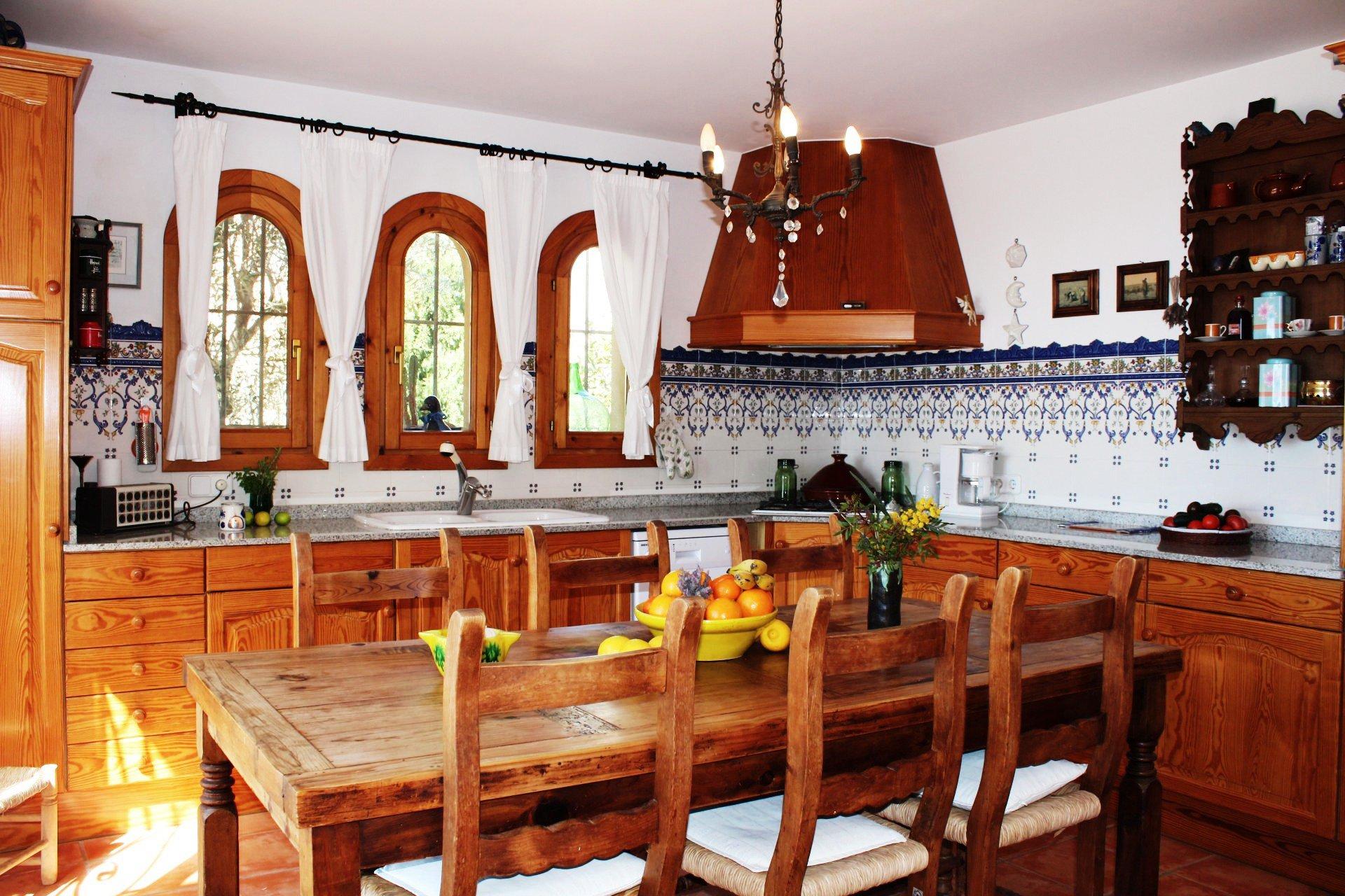 Chandelier, kitchen bar