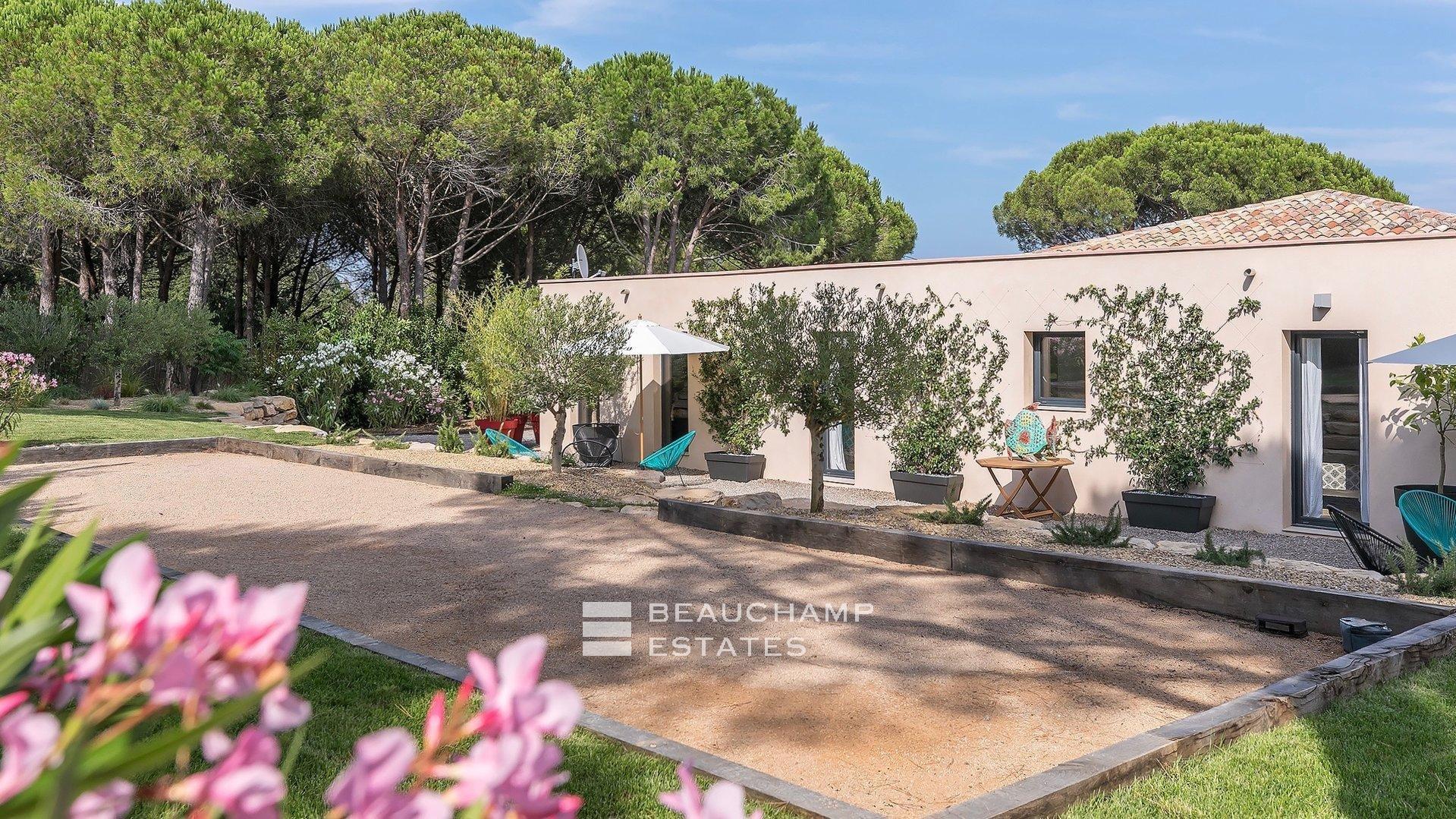 Superbe Villa Tropezienne de 5 chambres, proche des Plages