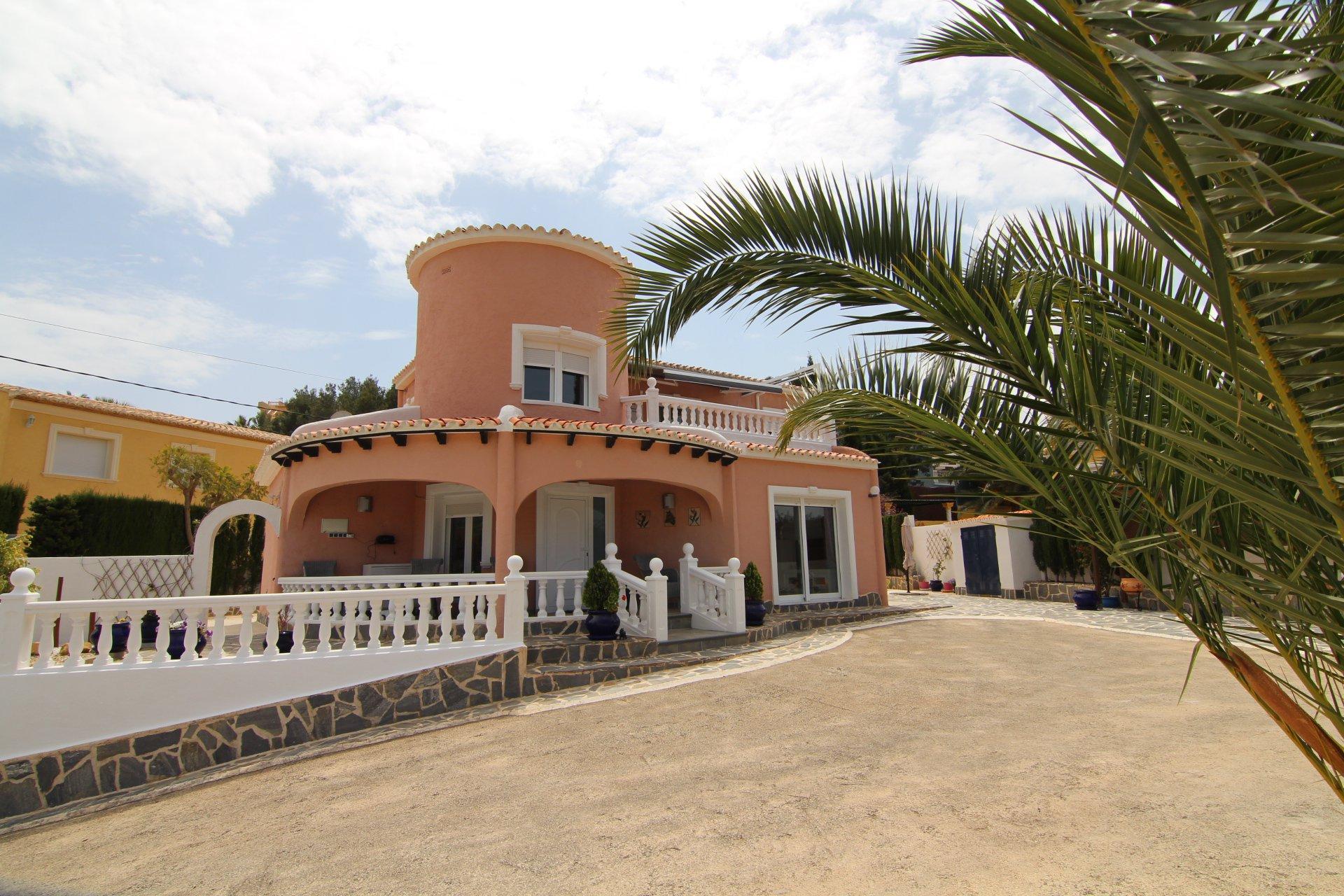 Villa de 3 dormitorios / 3 baños en Calpe