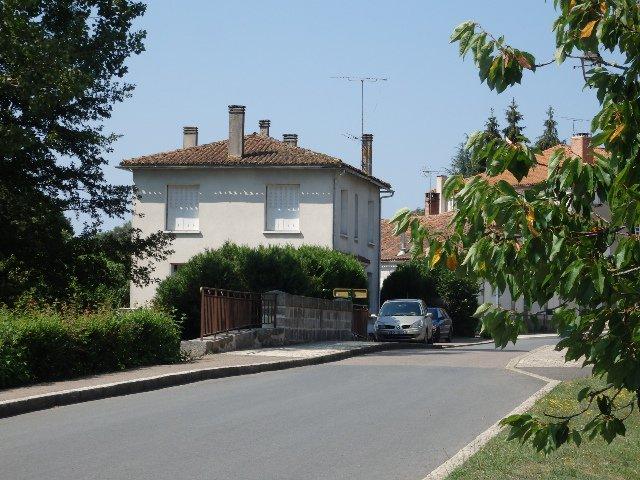 Schön gelegenes Haus in der Charente zu verkaufen