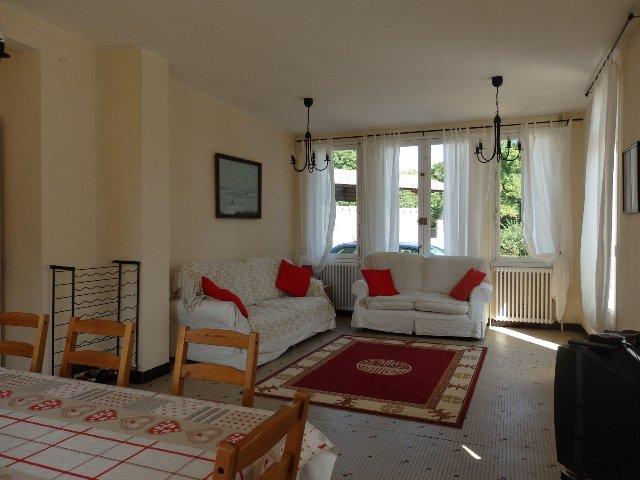Mooi gelegen huis te koop in de Charente