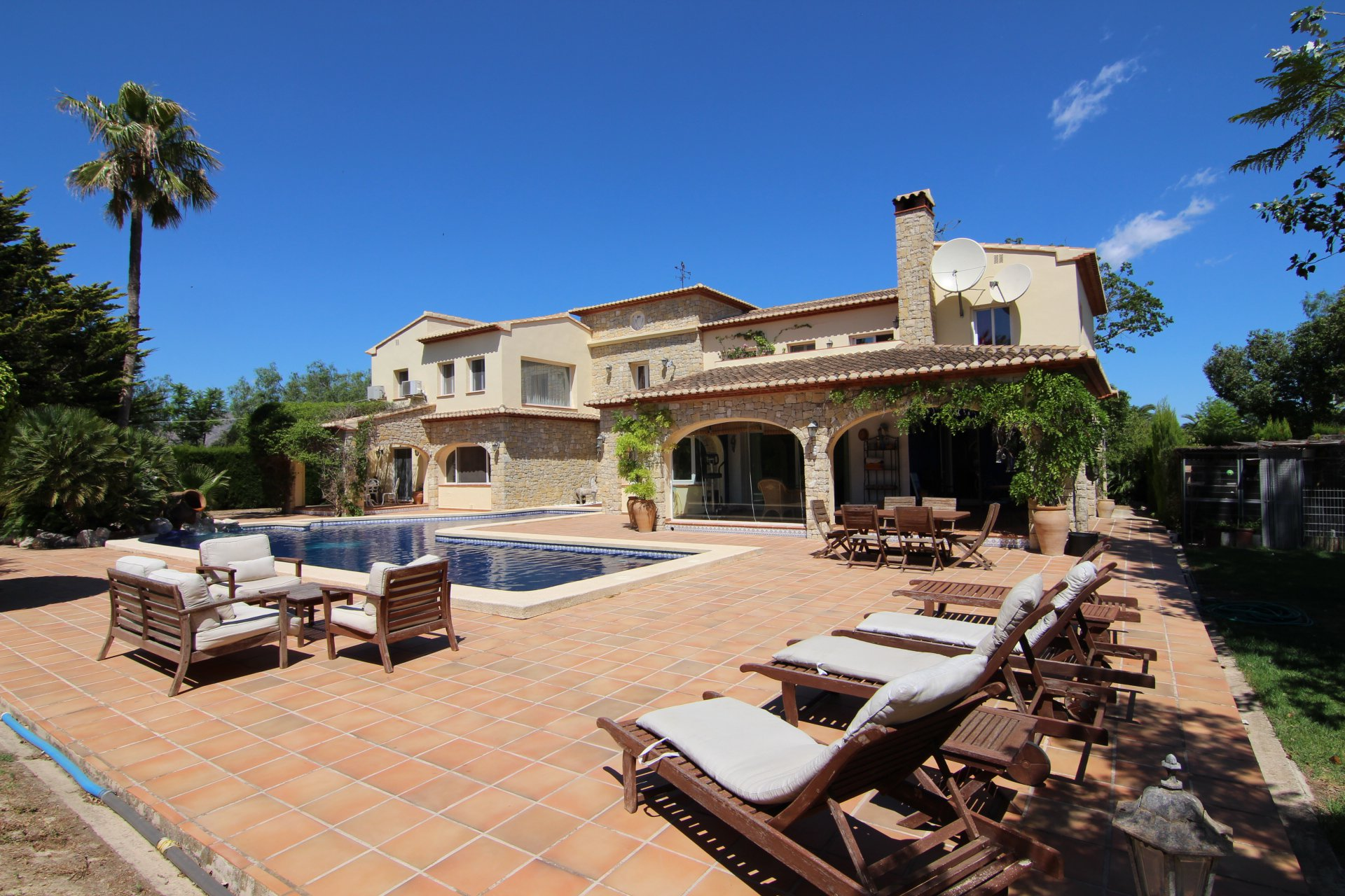 Luxury 6-bedroom villa with helipad in Benissa
