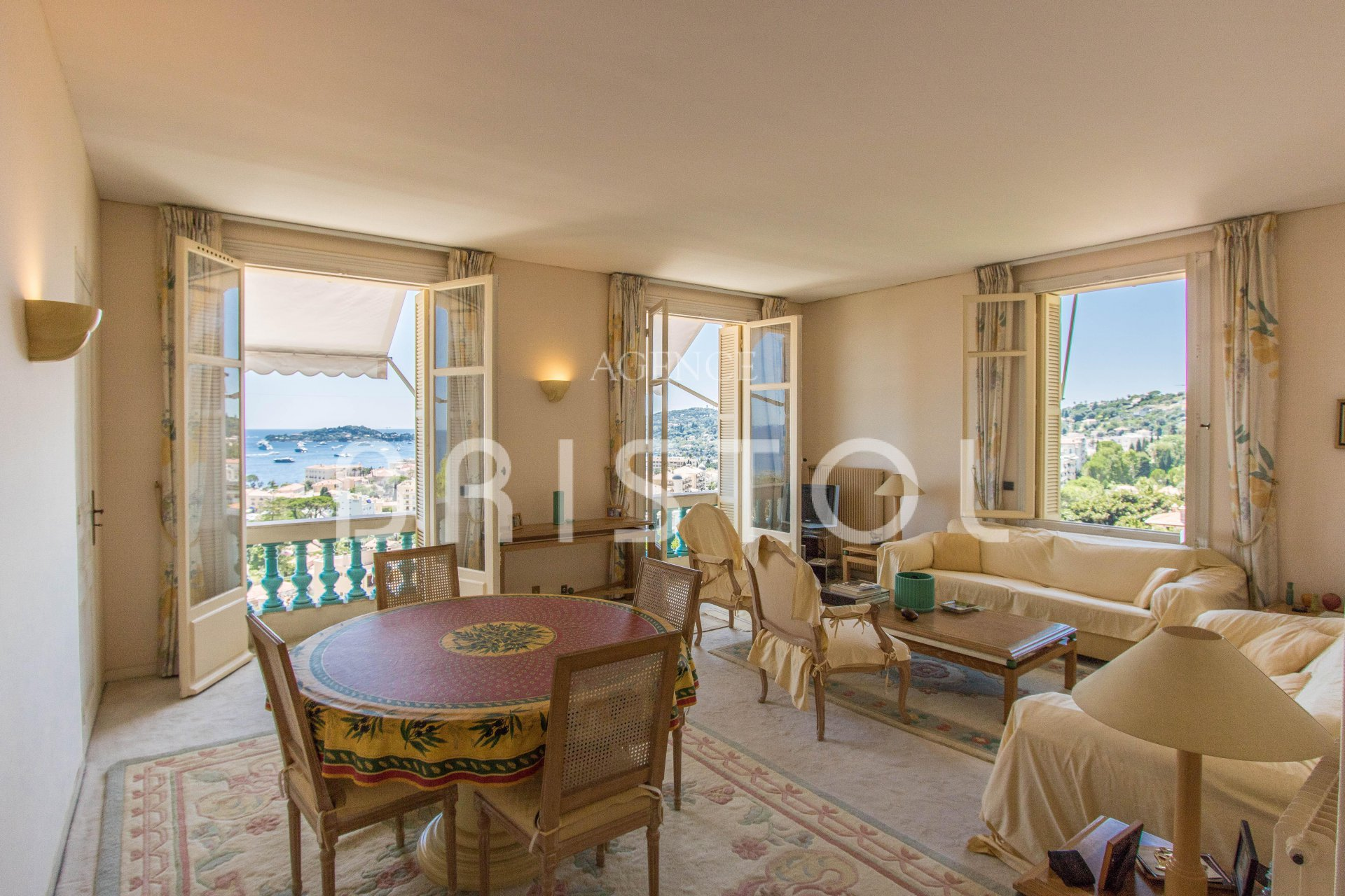 Belle Epoque apartment for sale with panoramic sea view in Beaulieu sur Mer