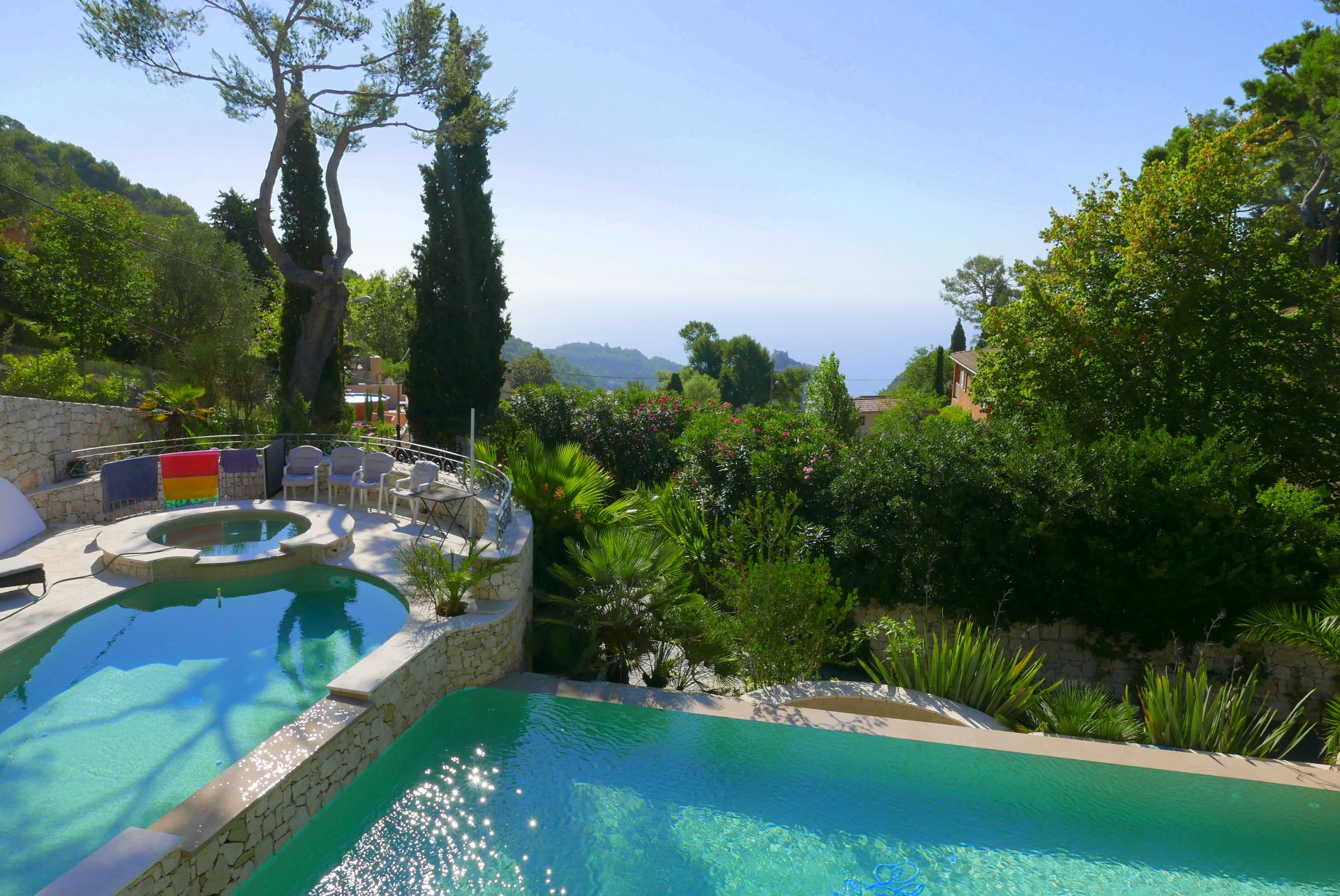 HOUSE IN EZE