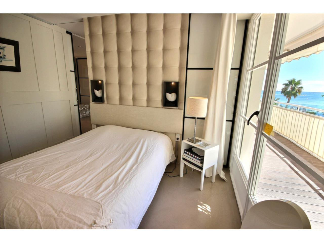 Bedroom Cannes Palm Beach property for sale with sea view