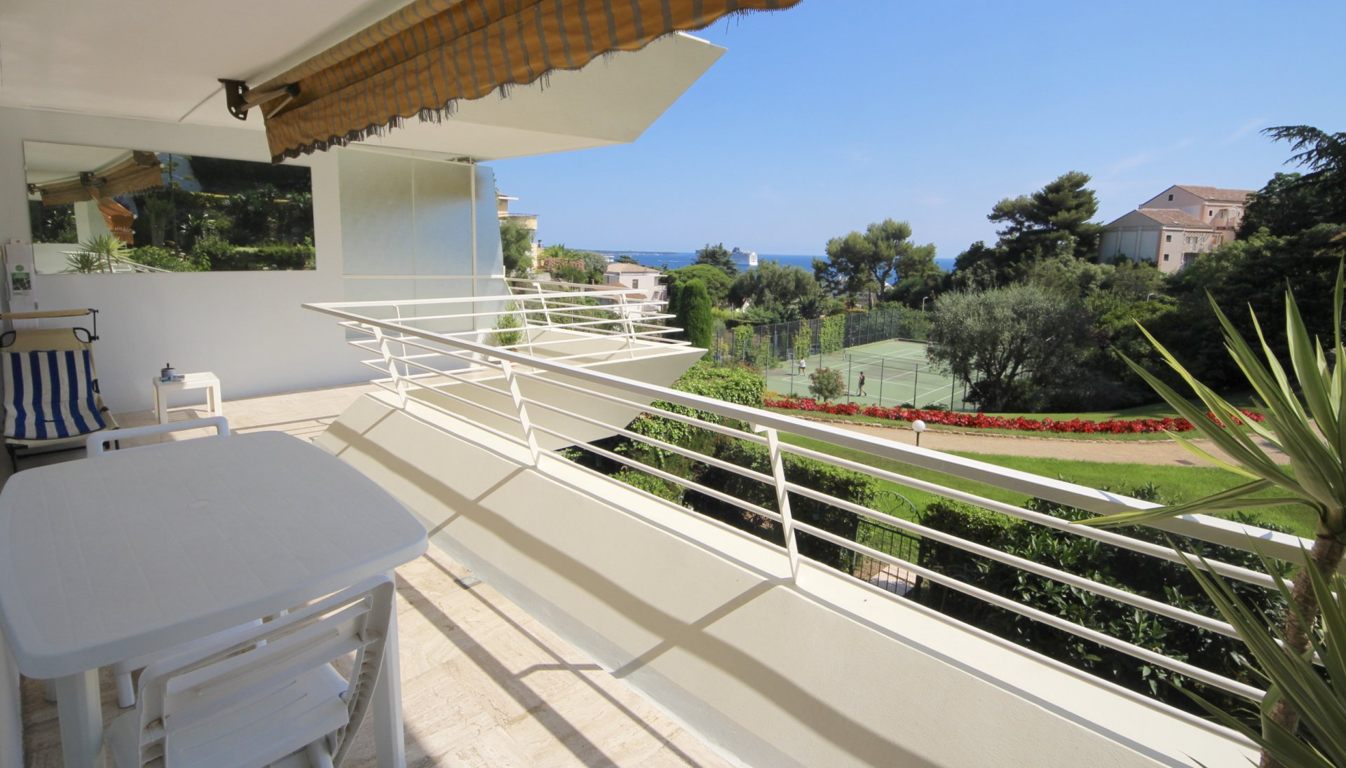 Cannes Croix des Gardes, beautifull 2bedrooms appartment with sea view and beaches near