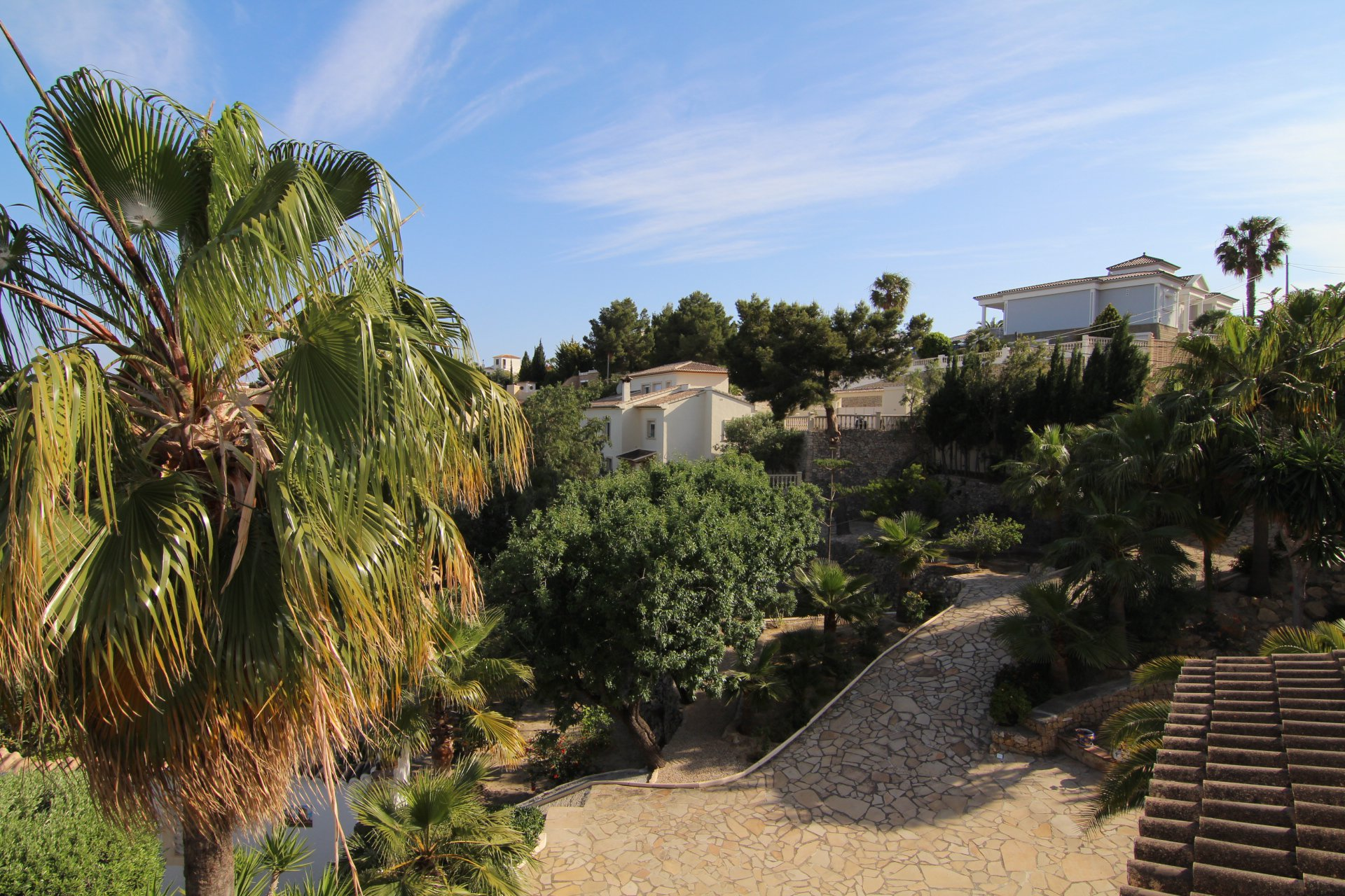 Exclusive villa with stunning views and plot in Calpe