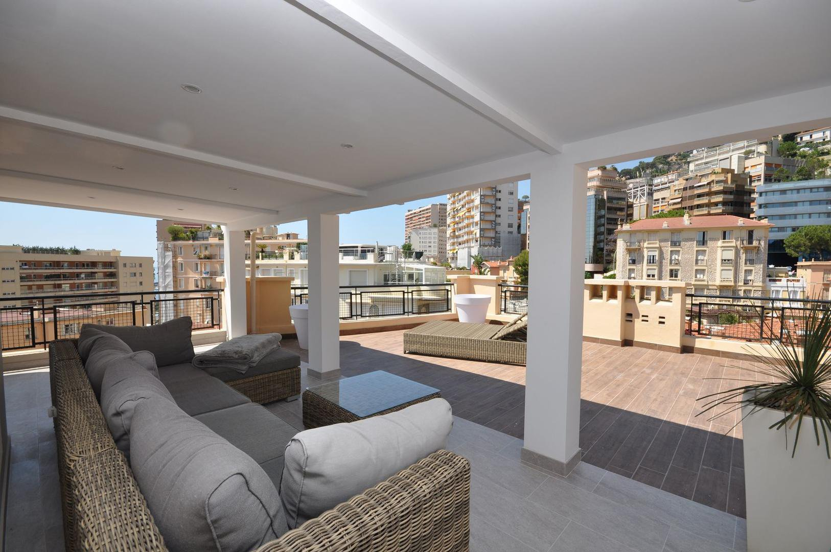 Duplex-Penthouse Completely Renovated - Great View