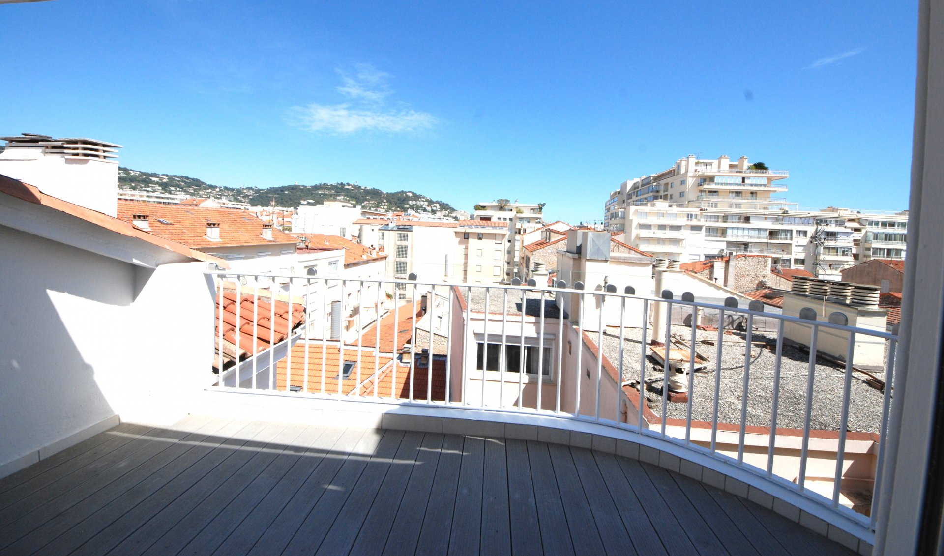 Congress rental 3 bedroom center of Cannes close Croisette
