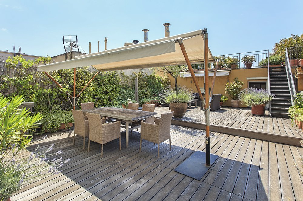 NICE COURS SALEYA  Apartment 202M2 Terraces of 155M2 Sea View! Exceptional!