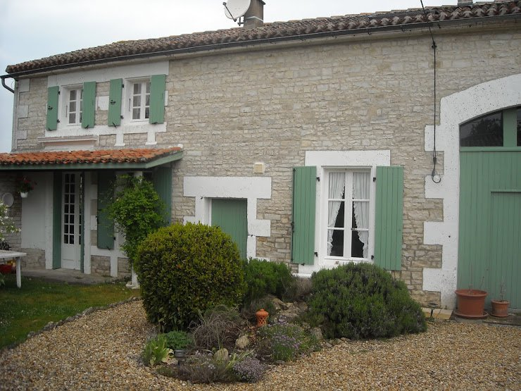 House near Jauldes