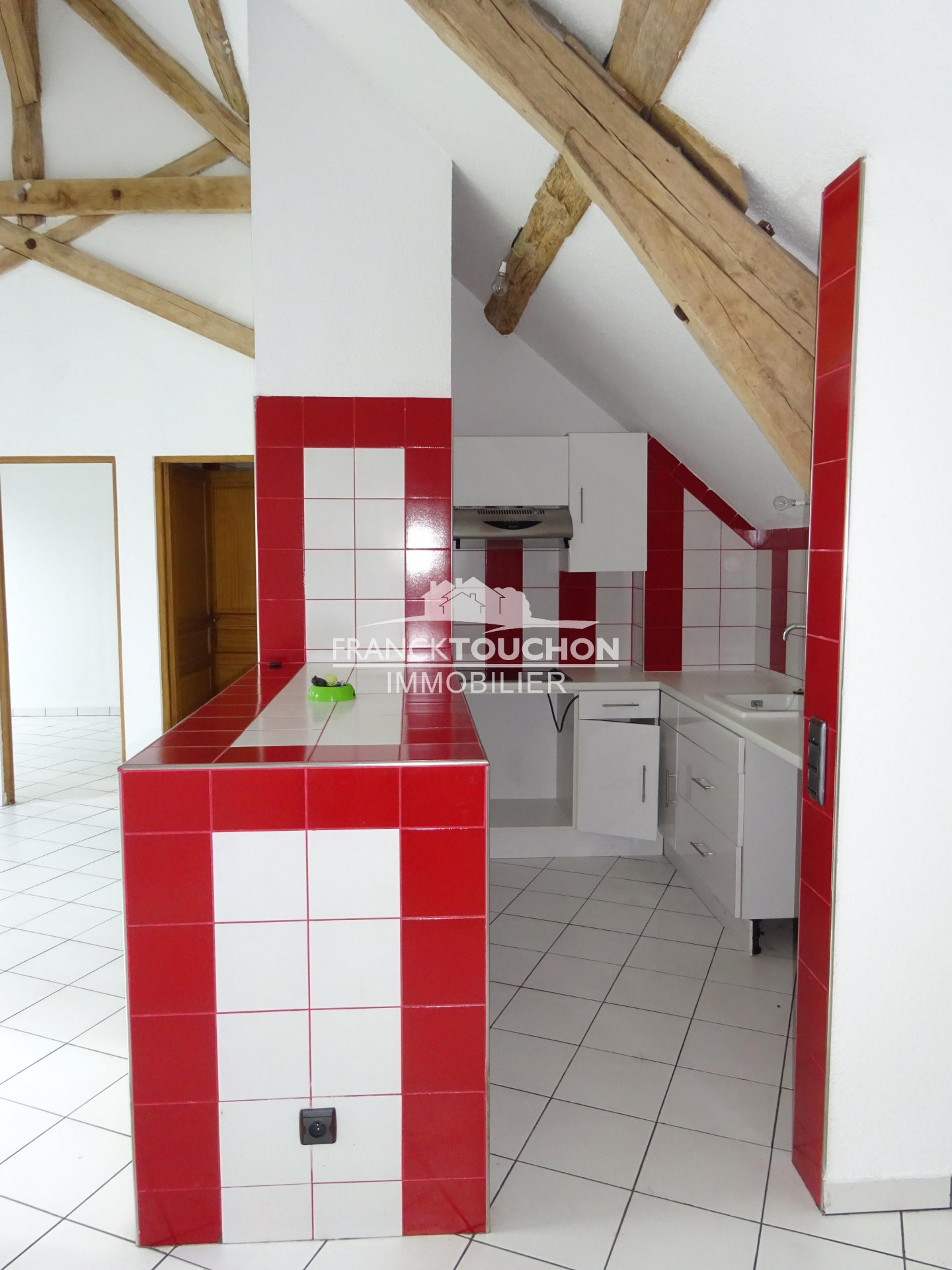 PROPRIETE de charme - potentiel - 1h de PARIS - 30 min de FONTAINEBLEAU - SUD 77 - 493 m² dont 1 appartement de 75 m² hab