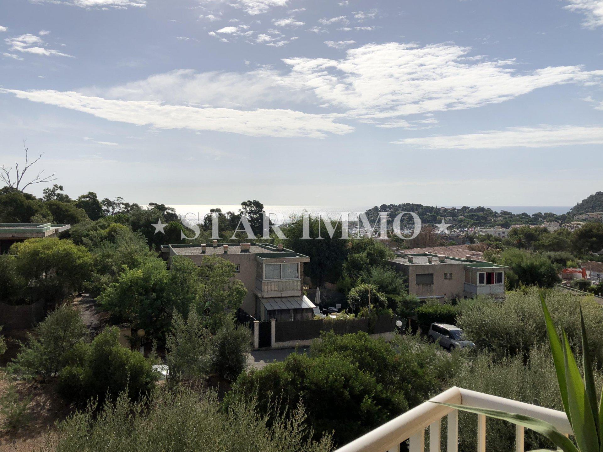 Appartement vue mer à Cavalaire-sur-mer