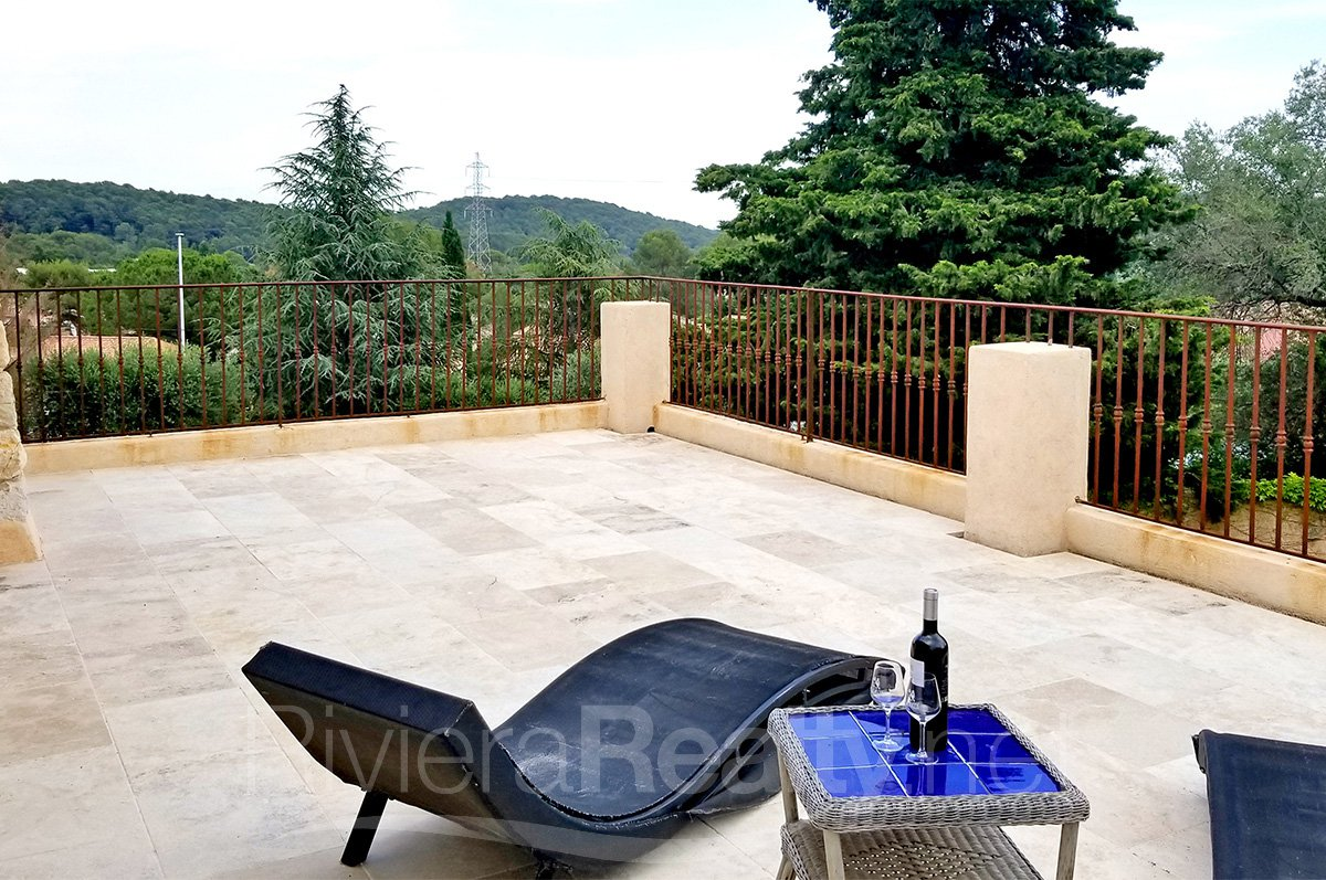 5 bedroomed family villa near Mougins School for sale.