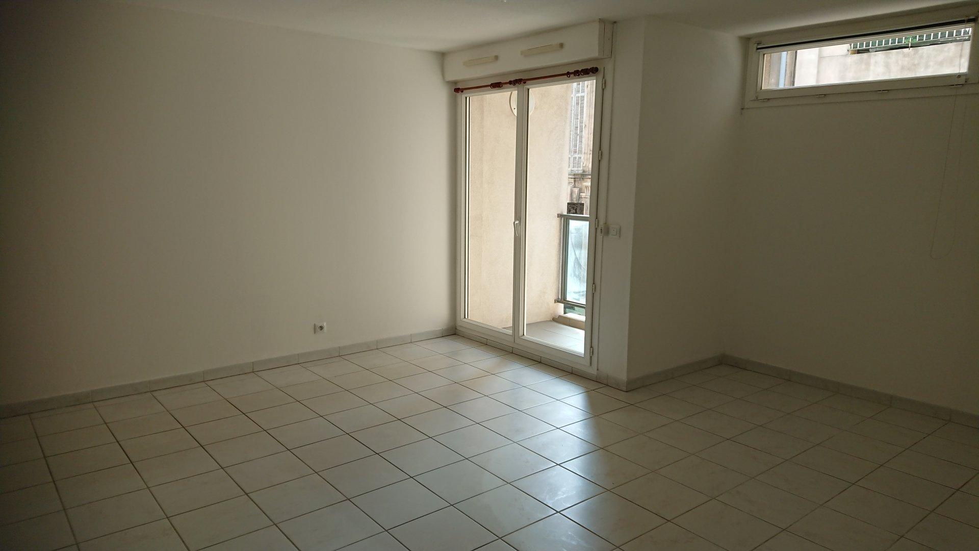 Sale Apartment - Marseille 5ème