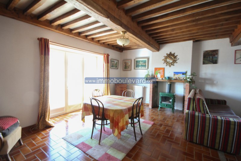 Near Chateau Chinon-spacious house in good condition with large garden and stunning views