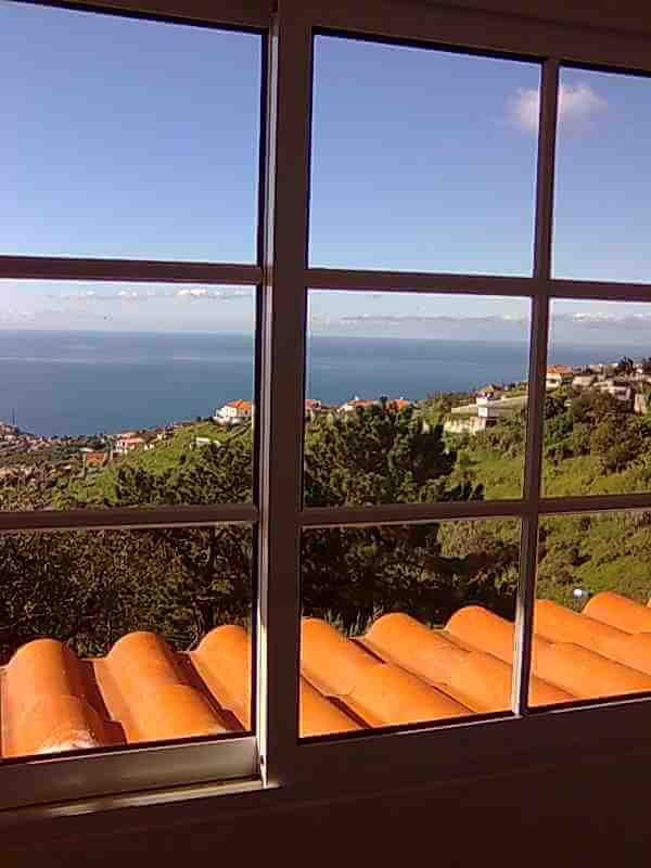 Superb T5 House of 250 m2 on 1.250 m2 of Land with an Amazing Ocean View. Ponta do Sol