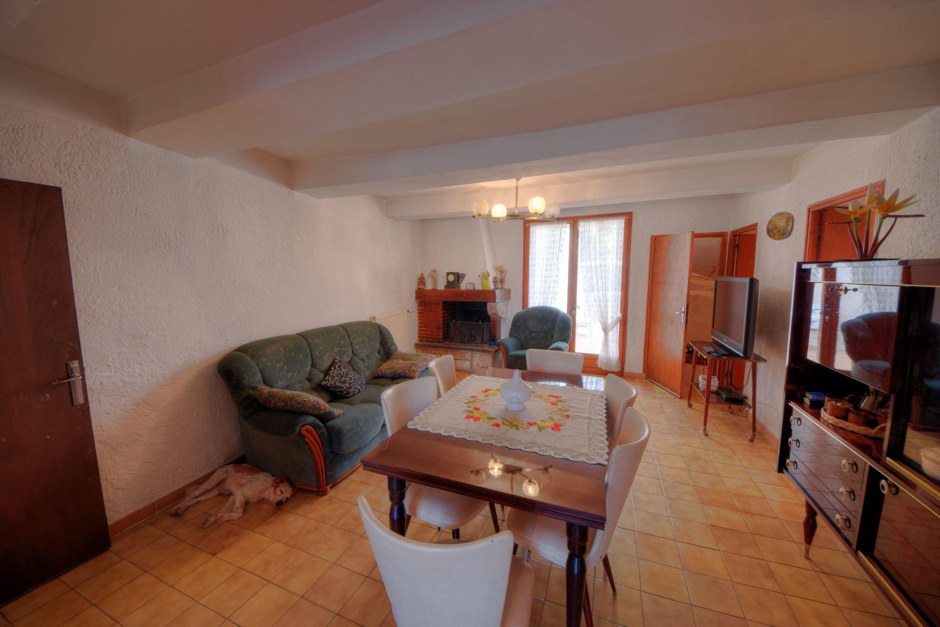 Jolie maison de village avec terrasse et garage Montmeyan Var Provence