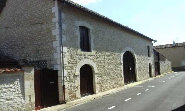 Deux maison d'habitation - Secteur Mansle