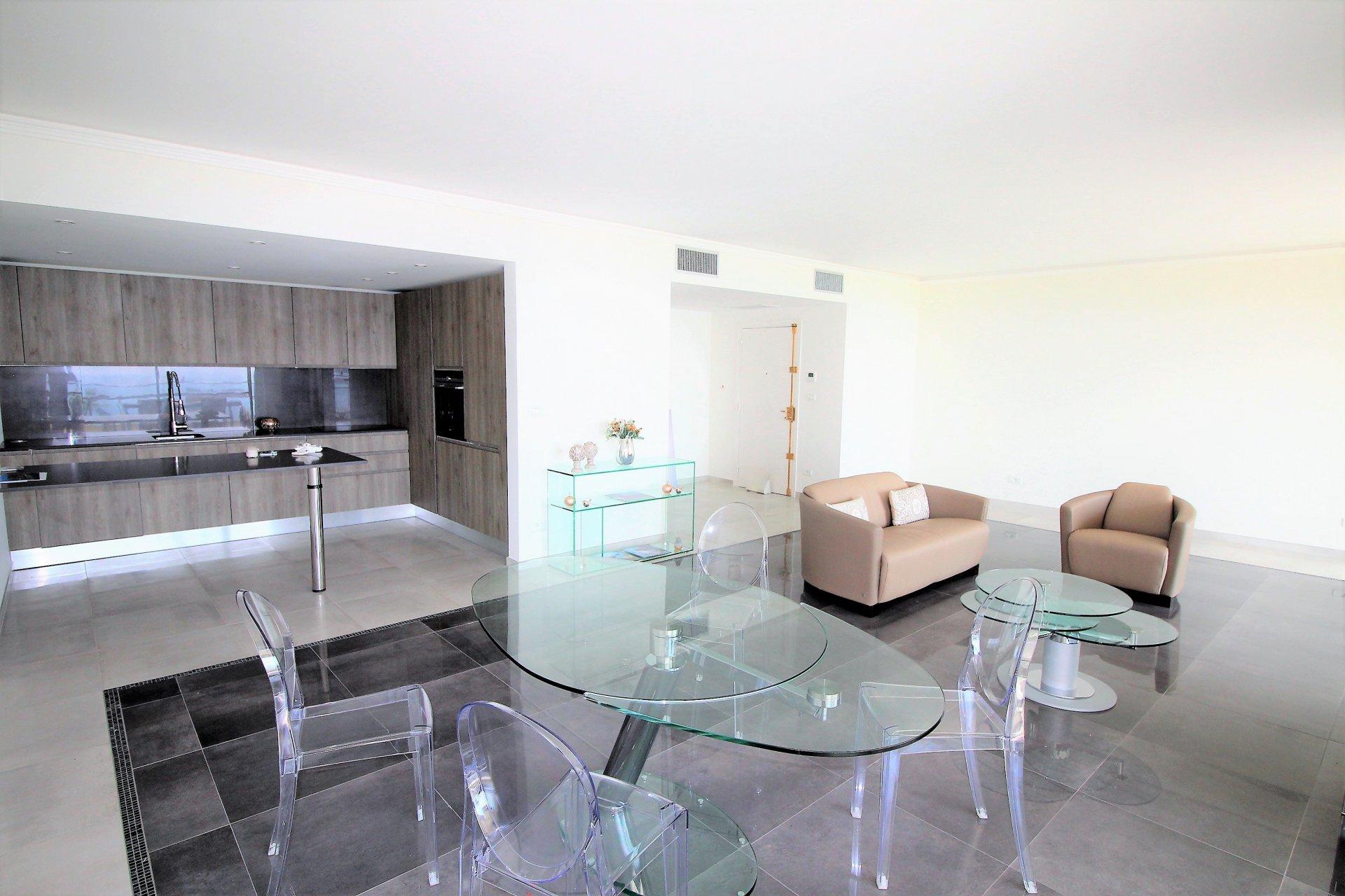 Cannes, Californie, superbe appartement 4P vue mer.