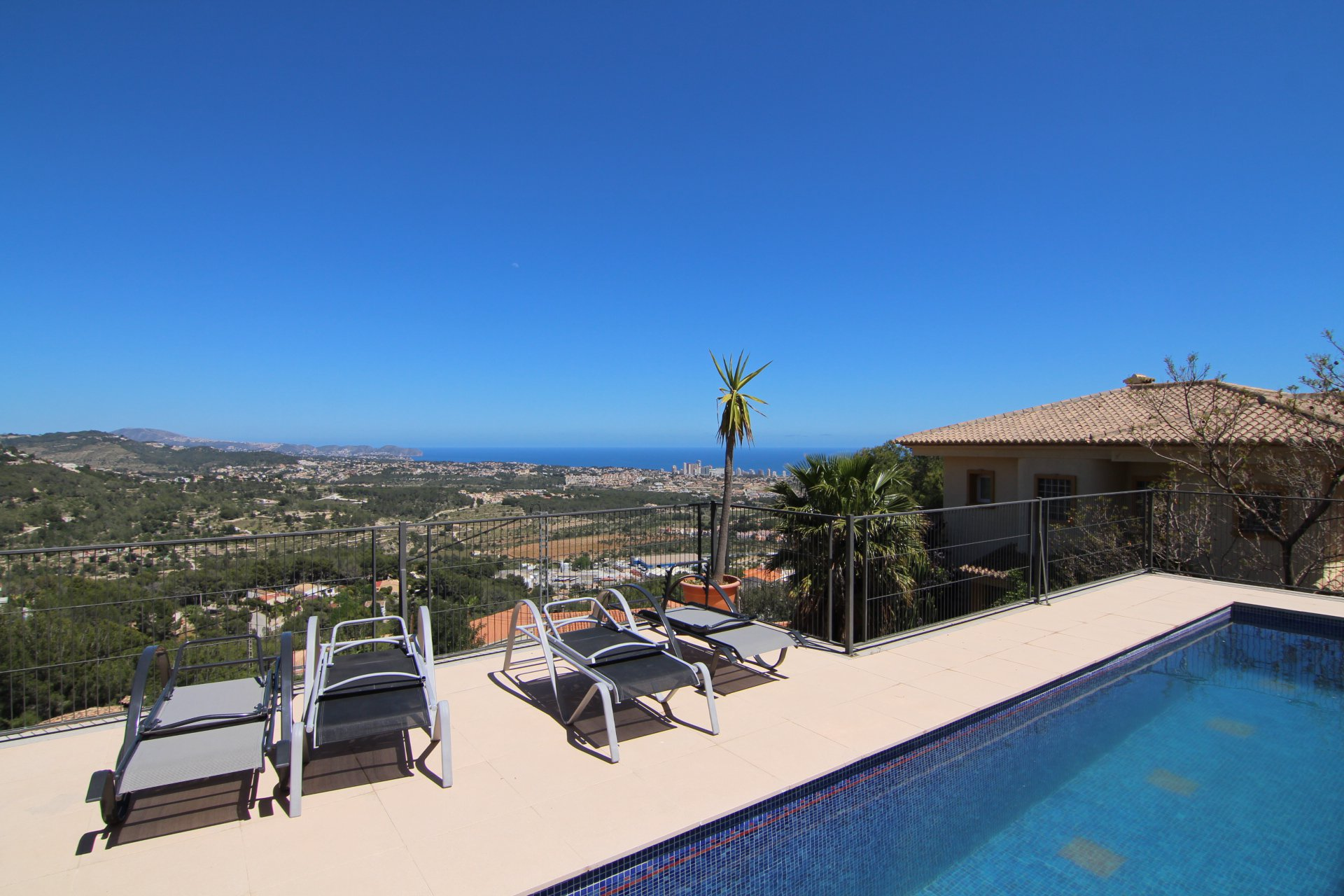 3bed/bath villa on 1 storey with spectacular views