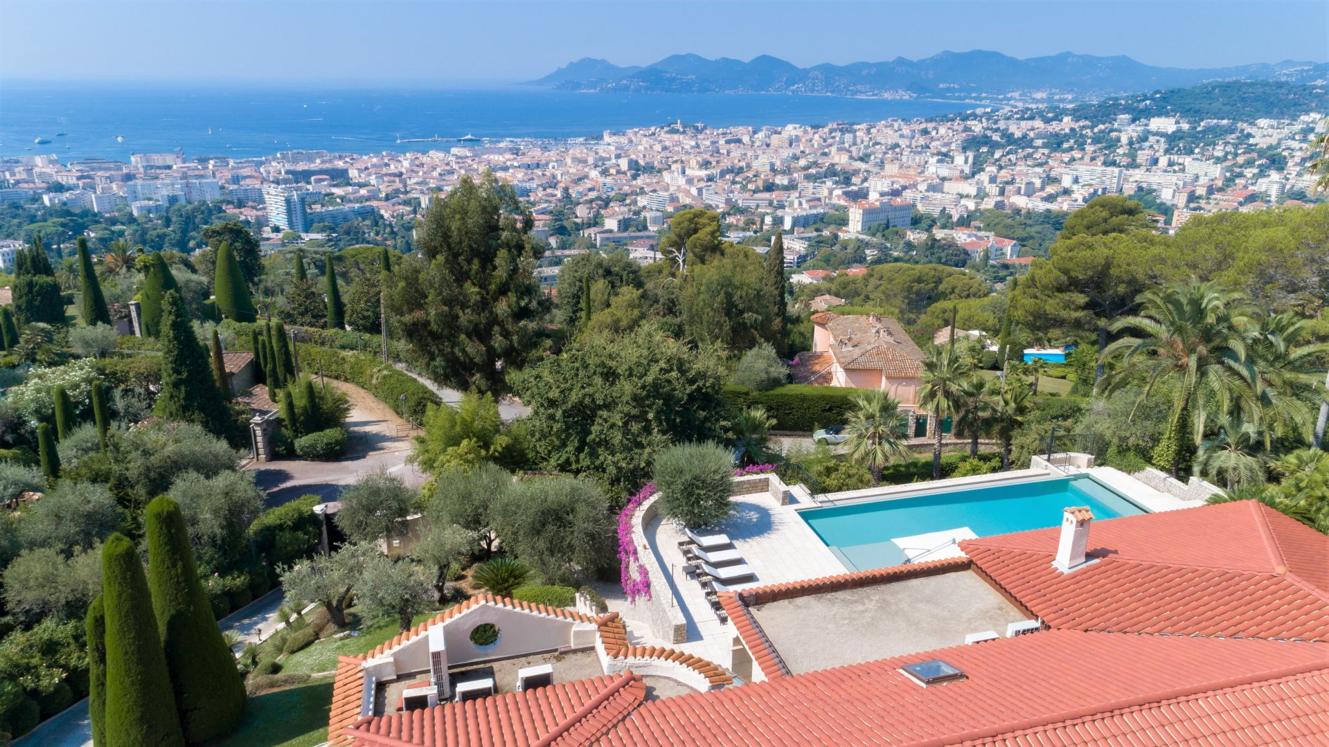 CANNES CALIFORNIE - SUPERB PROPERTY