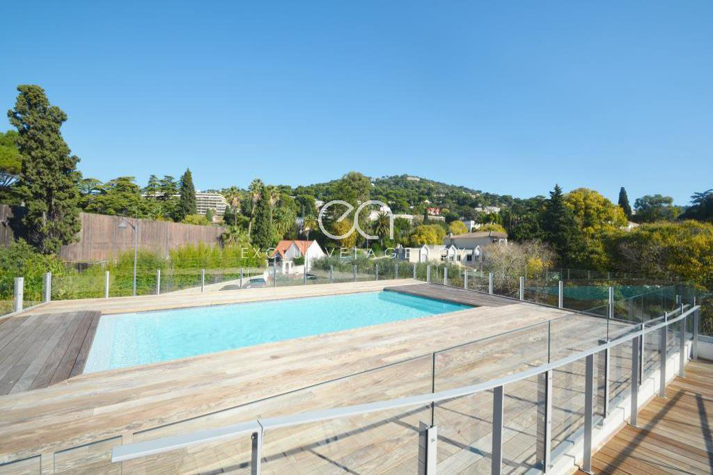 Cannes Oxford 1-bedroom apartment - garage and cellar