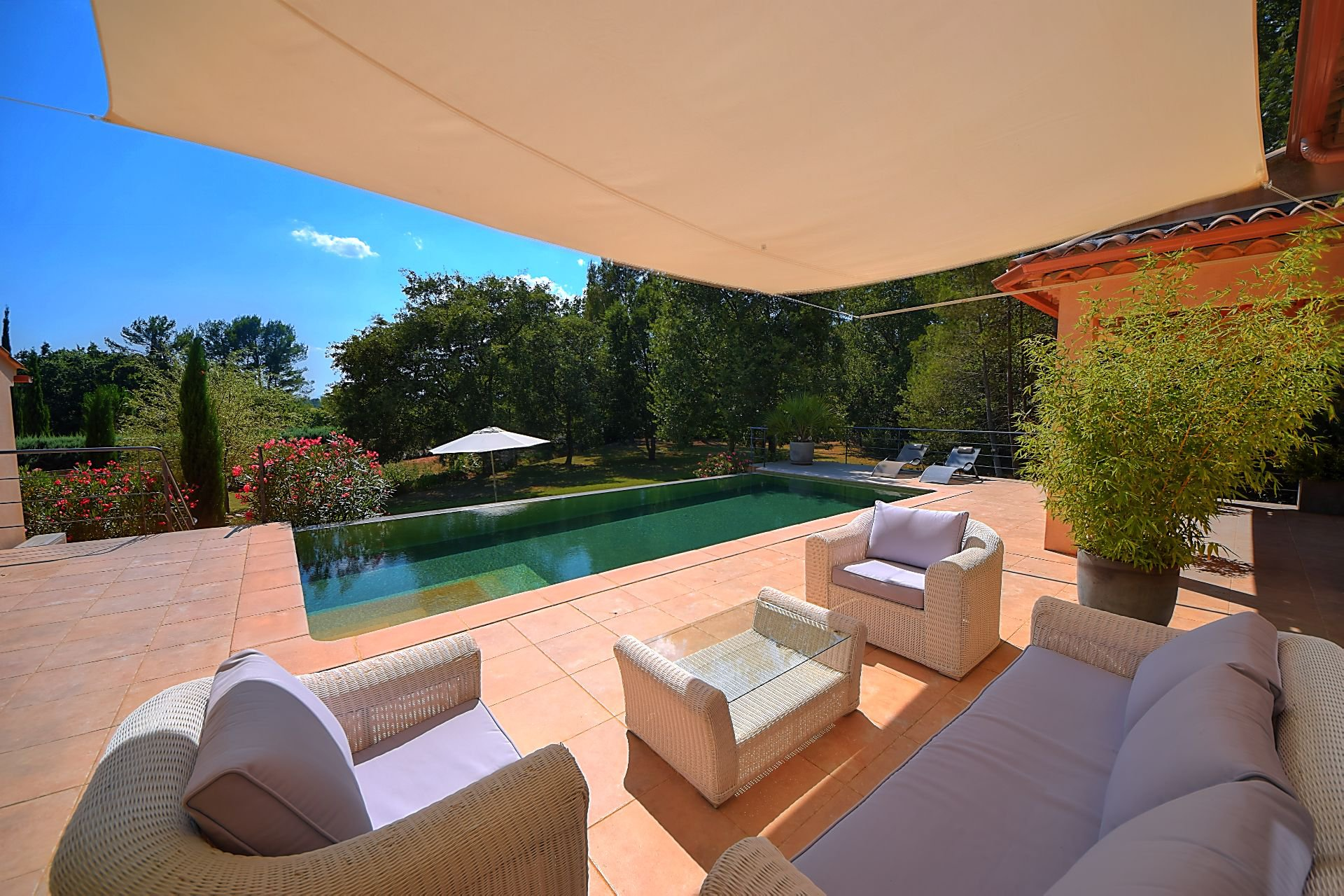 Cotignac, house of 200sqm with pool and terraces