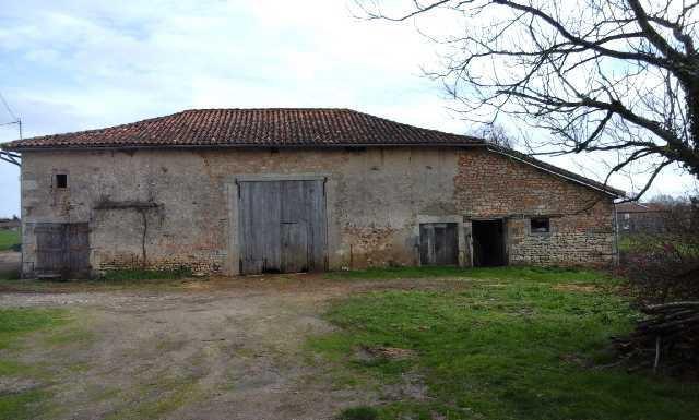 Ancien corps de ferme - Entre Valence et Champagne-Mouton