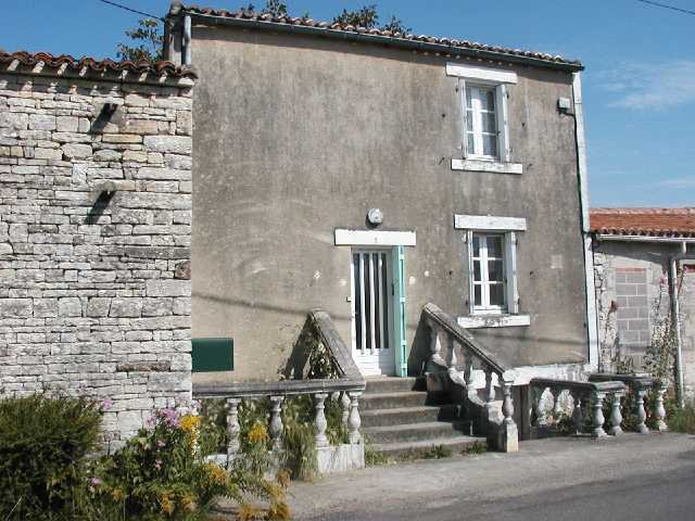 House - Near Mansle