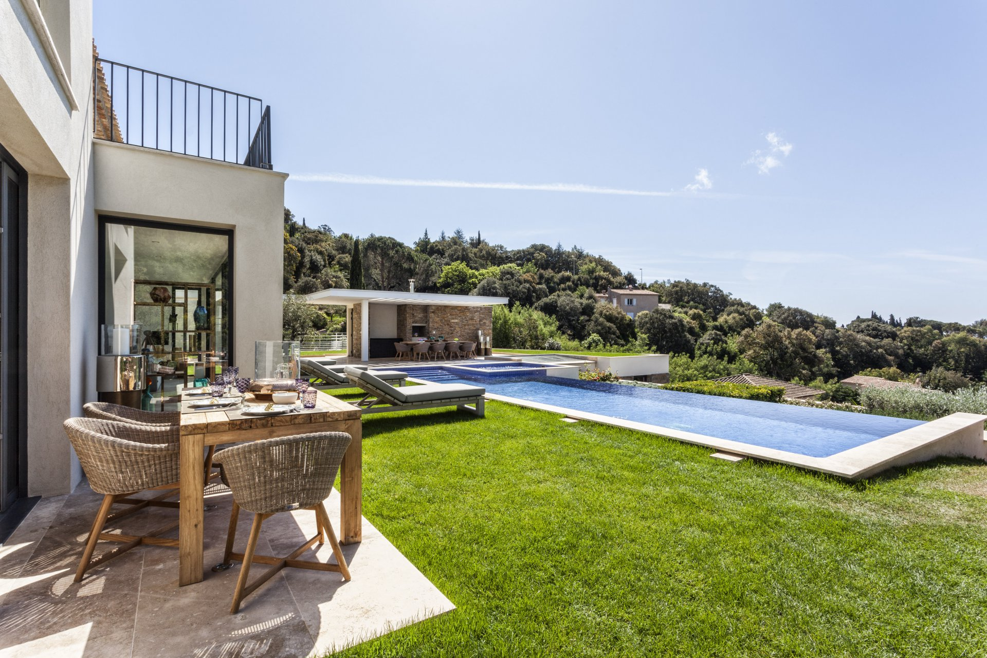 VILLA CONTEMPORAINE - SAINT TROPEZ