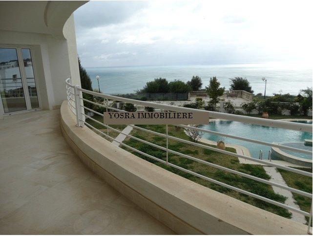 A vendre villa de 3000 m² vue de mer à Gammarth