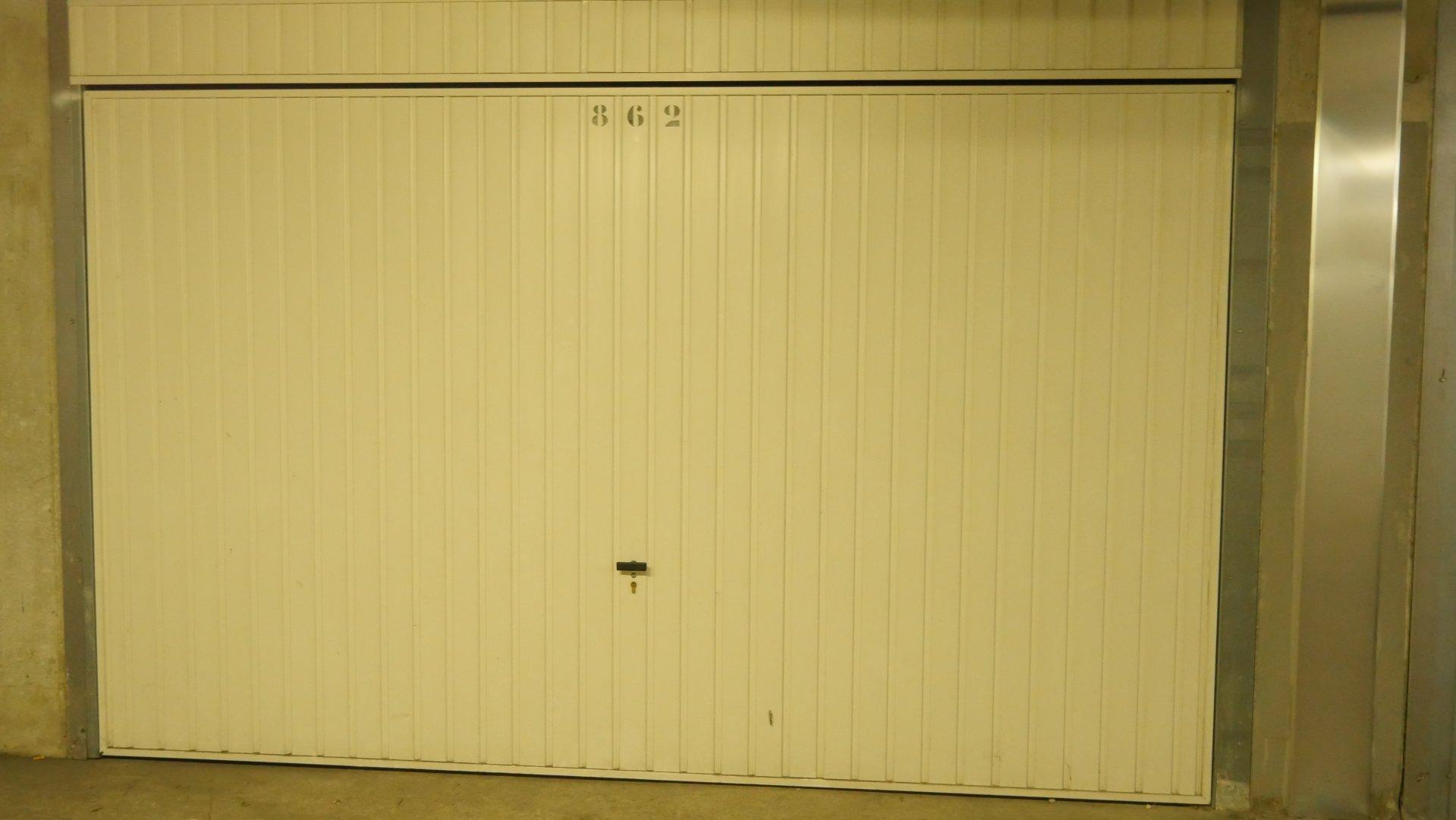 ROYAL CAP - GARAGE FERME