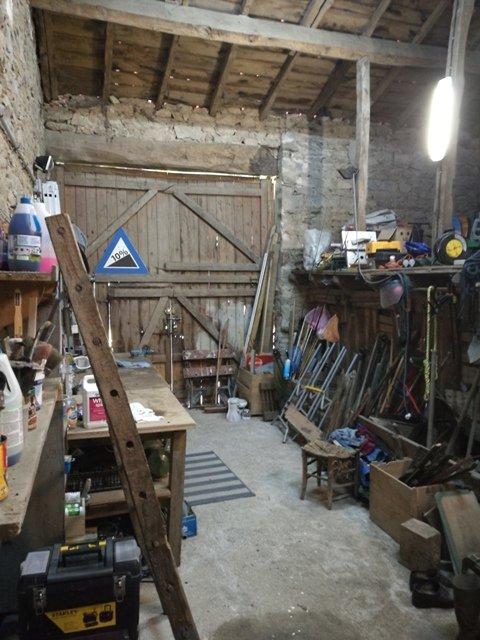 Maison avec atelier / yourte à St. Sornin la Marche