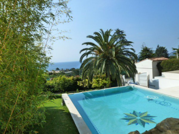 Riviera Cannes villa swimming pool garden sea view luxurious services