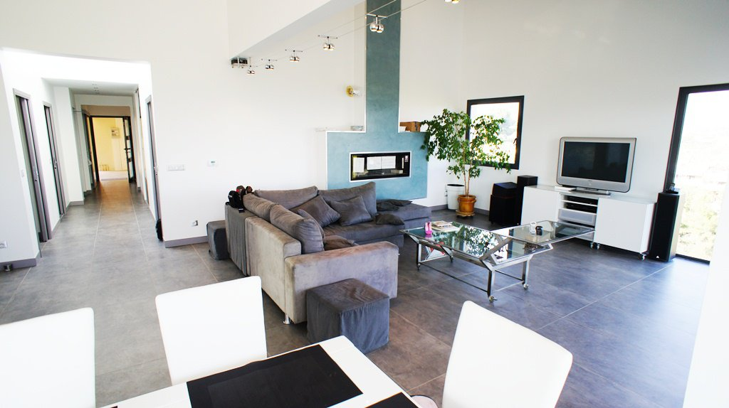 Французская Ривьера, Вилла разделена на 4 квартиры - ВИД НА МОРЕ