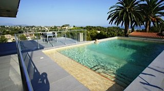 On the Cote d'Azure Villa Apartment Roof terrace with garden and private pool, private elevator, view