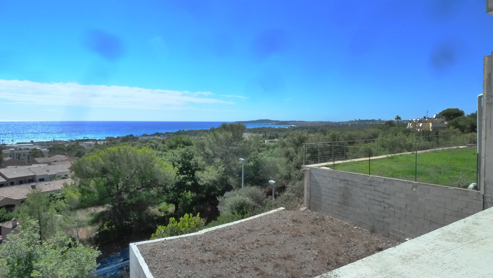 On the Riviera, Sea View Villa, of 400 m2, large ground swimming pool, a complete