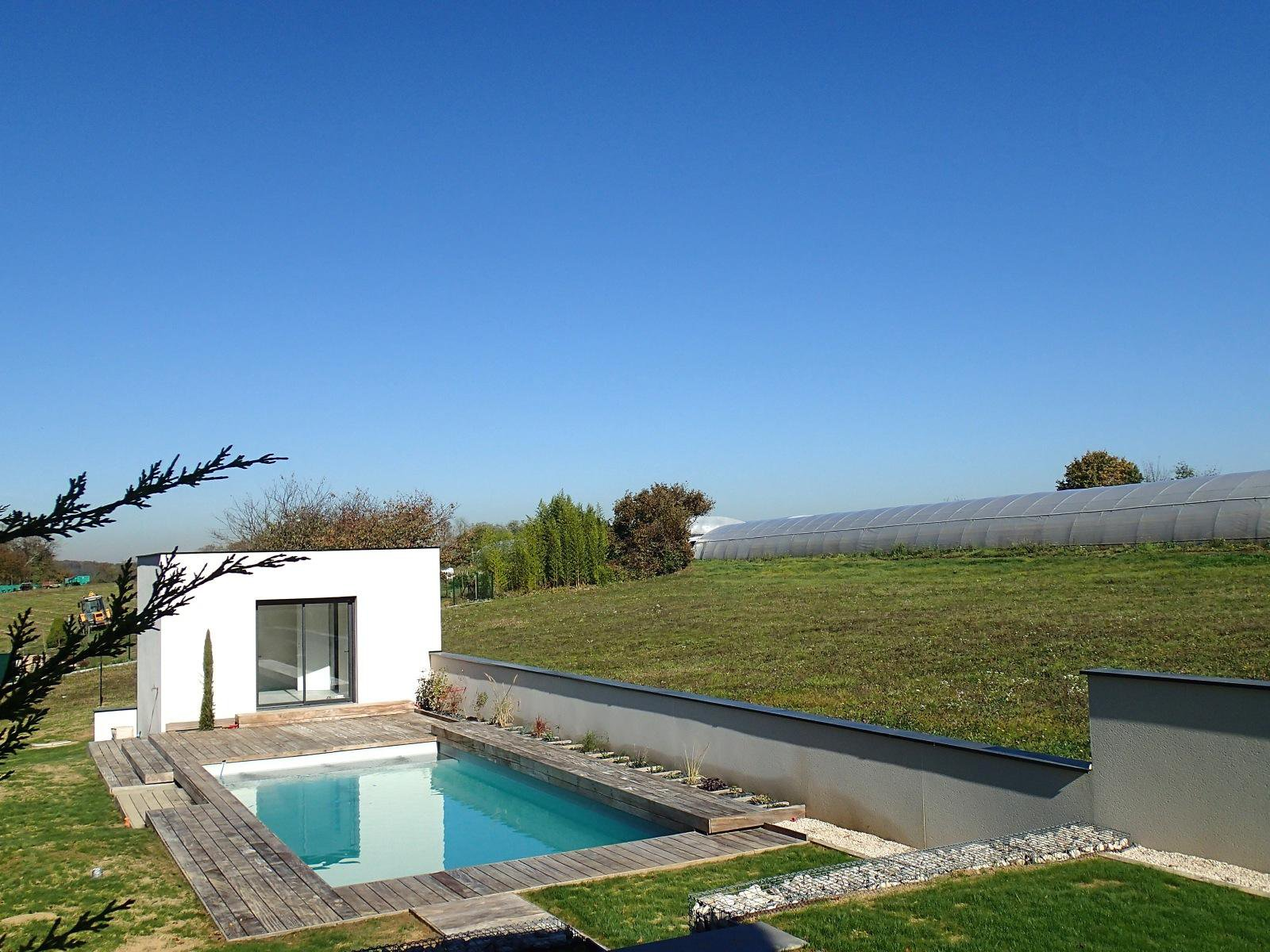 Contemporary villa with swimming pool in a quiet view at Cailloux sur Fontaine 20 min from Lyon