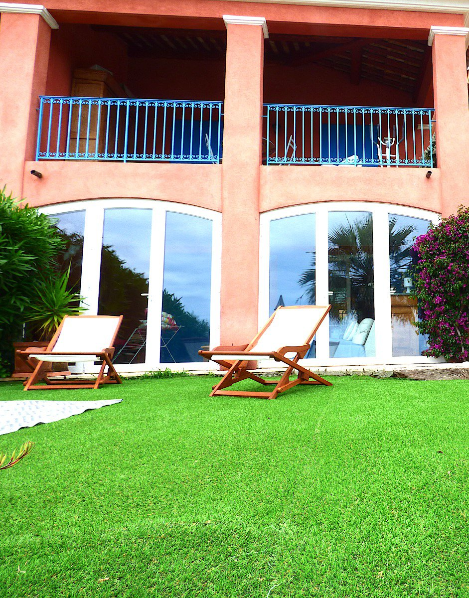 On the Cote d azur, 2 Villas for sale sea view, garden, jacuzzi and pool in a secure residence