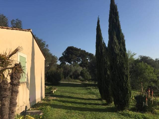 Villa quiet and residential area