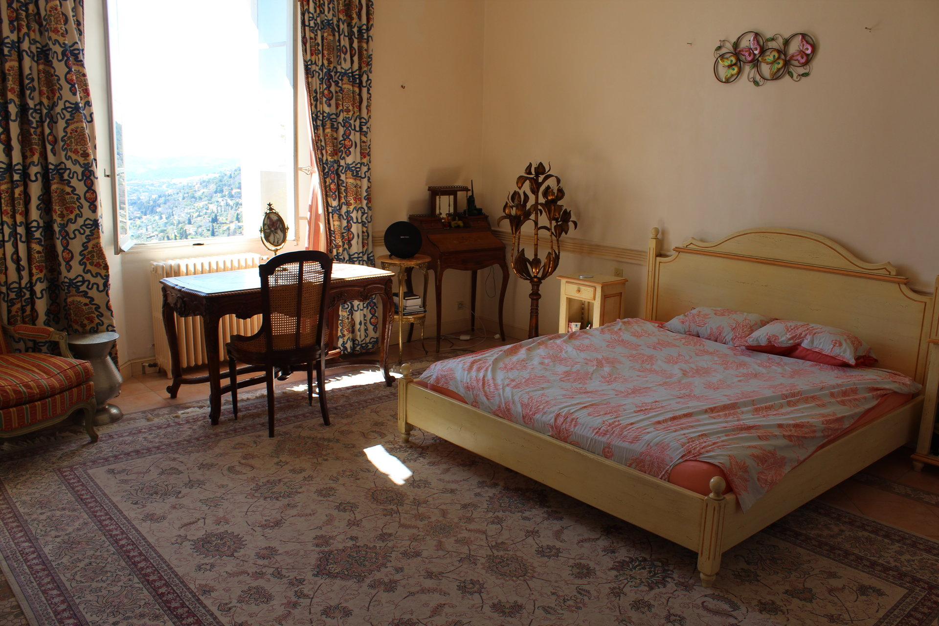 On the Côte d'Azur and on the height of Magagnosc, beautiful country house of the 1850s sea view 600 m²