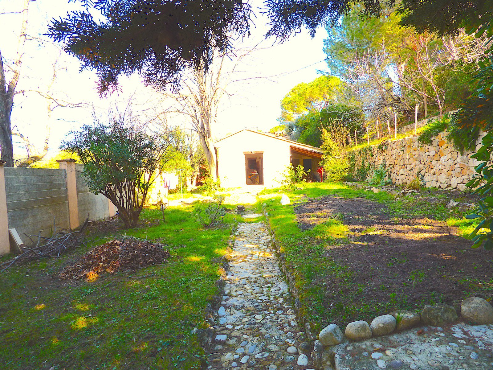 House panoramic view on Saint Paul de Vence, overview sea of ââthe garden, several entrance, total surface of 300m