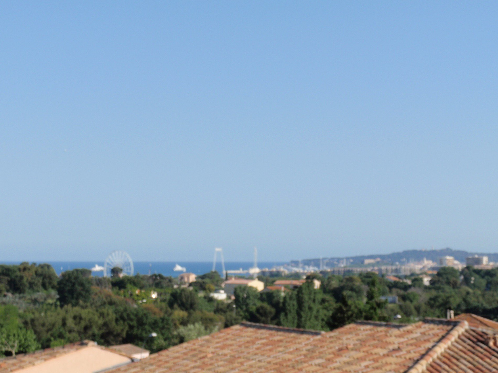 Near Antibes top floor duplex, sea view, swimming pool, large terrace