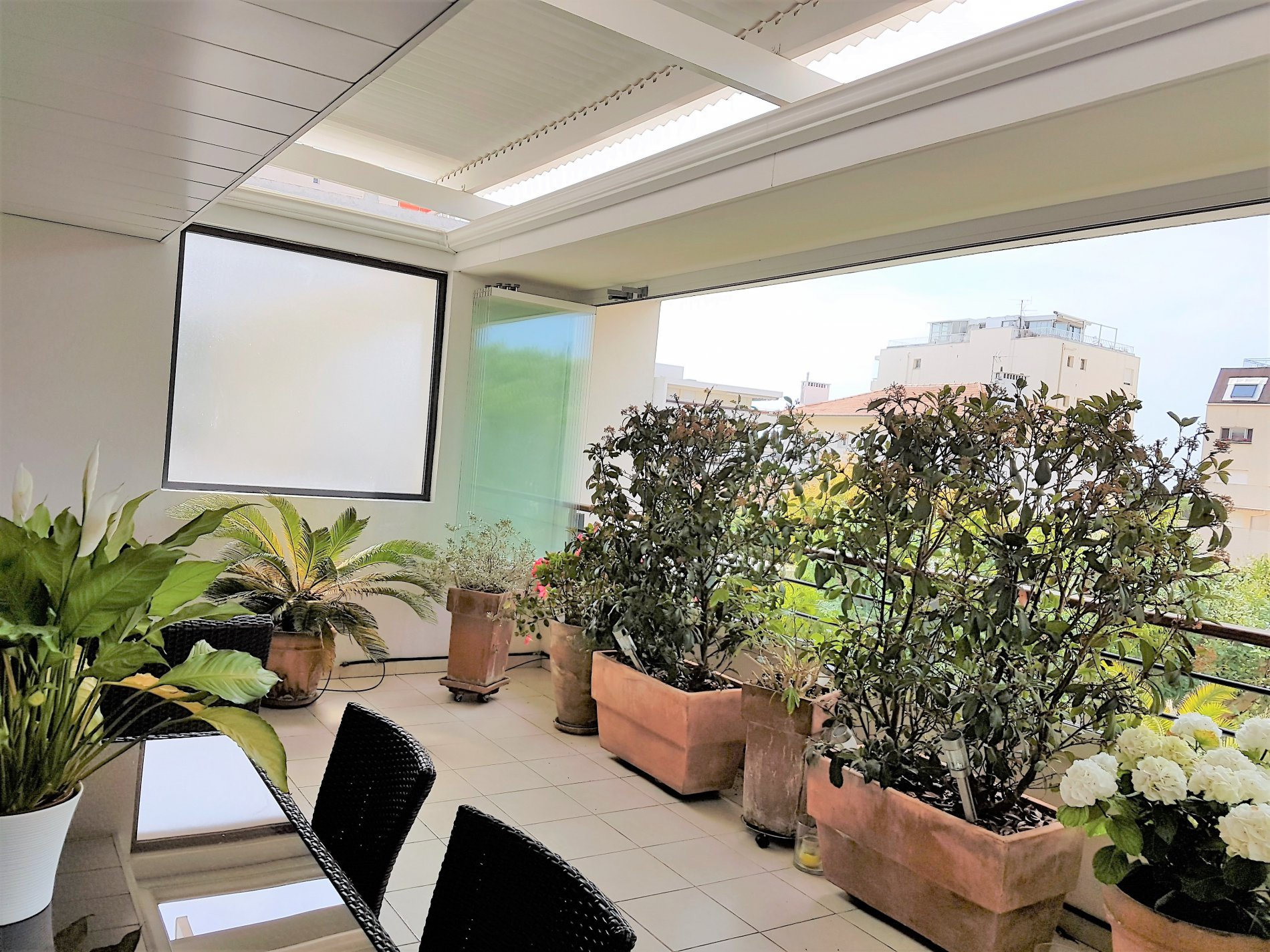 APPARTEMENT TERRASSE CANNES BASSE CALIFORNIE GRAND STANDING
