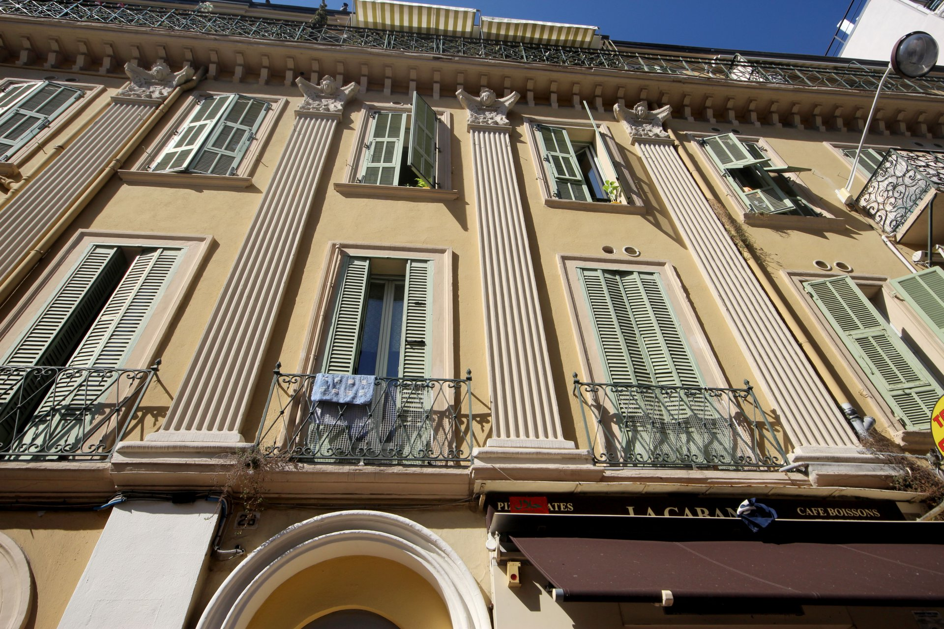 1 bedroom apartment for sale in Carré d'Or, Nice - great investment.