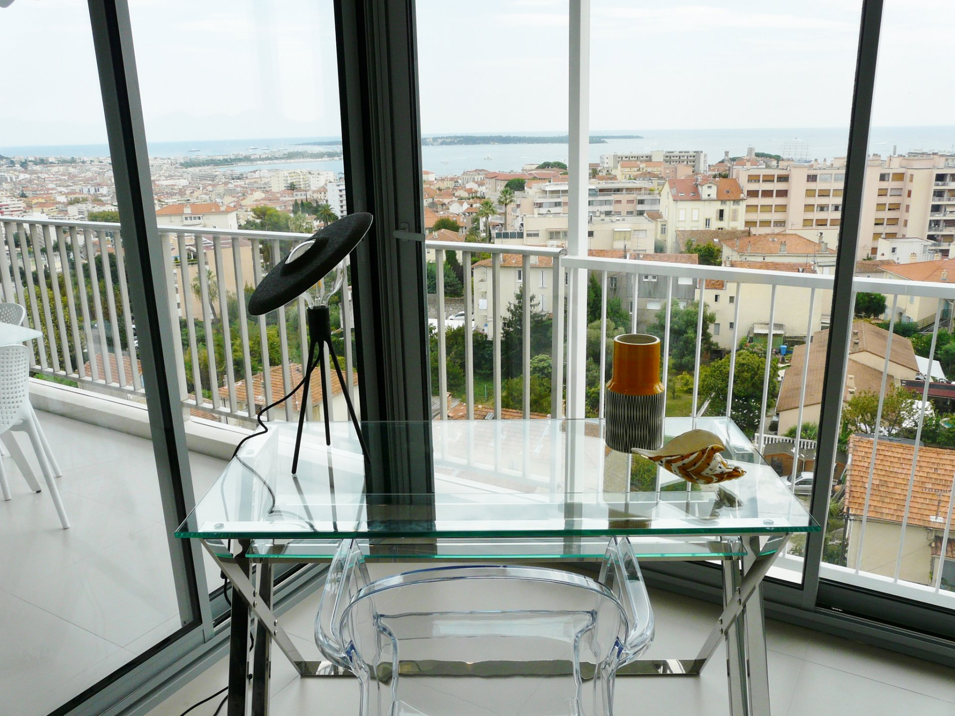 ANGLED APARTMENT-HIGH FLOOR- PANORAMIC SEA VIEW